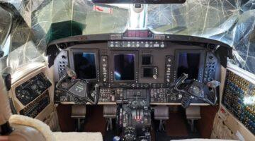 2006 King Air 350 Ckpt 01 PR-DAH