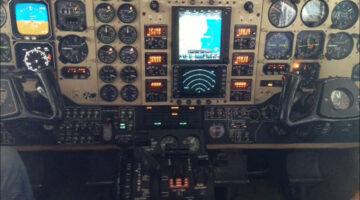 2000 King Air B200 Ckpt 01