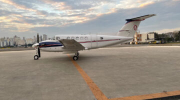 2000 King Air B200 Ext 01