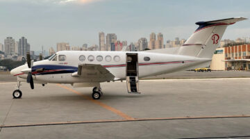 2000 King Air B200 Ext 02