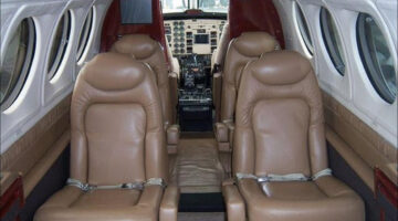 2000 King Air B200 Int 01